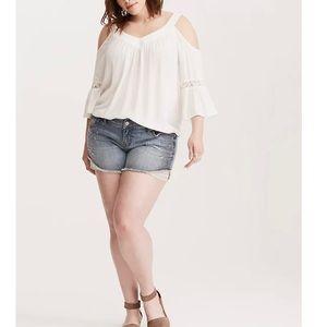 Torrid Skinny Short Shorts Light Wash Beaded Lace